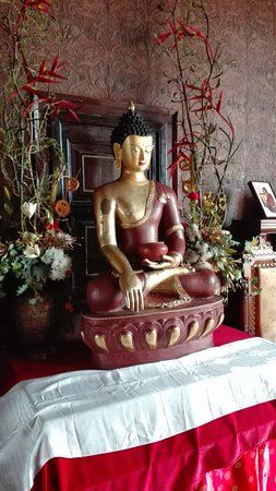 Olivella, Spain: Uno de los detalles budistas del Palau Novella