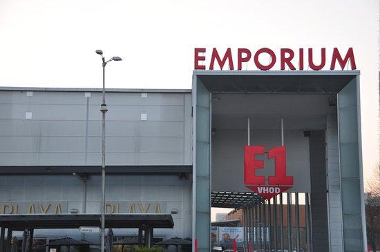 centro commerciale - Traduzione in inglese - esempi italiano | Reverso Context