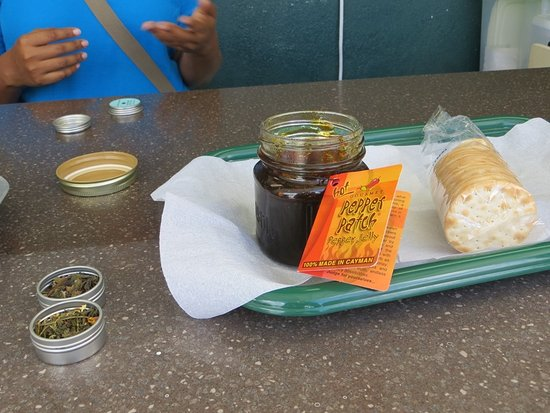 George Town, Grand Cayman: Tasting some very hot Pepper Jelly.