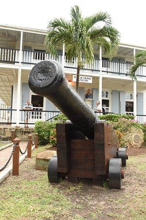 Englis Harbour, Antigua: Cannon