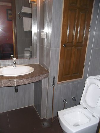 square shaped toilet seat. Hotel Grand United  21st Downtown Square Shape Toilet Seat Picture Of