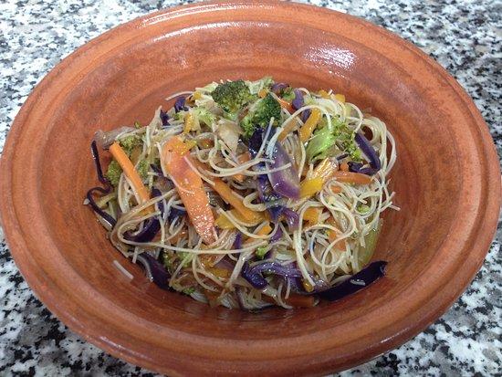 Sinnai, Itália: spaghetti di riso con verdure