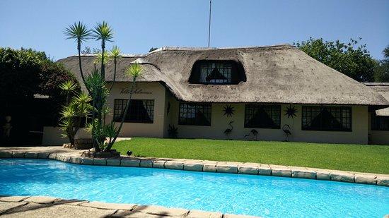 Villa Schreiner: zeer mooie tuin/zwembad