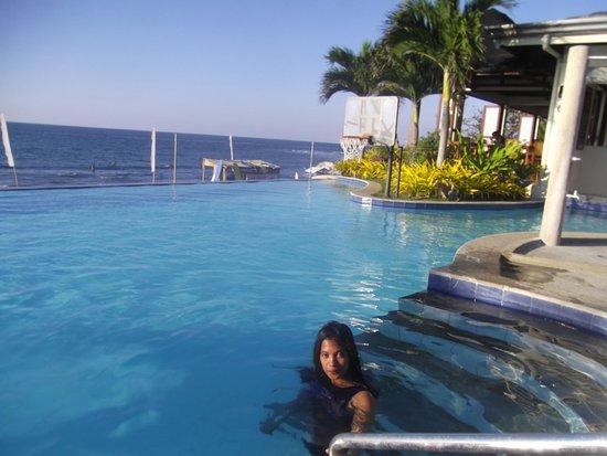 Kahuna Beach Resort and Spa: Clean clear pool