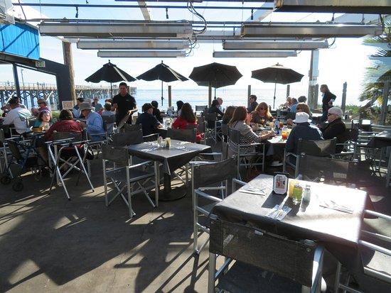 Goleta, Kalifornia: Beachside patio dining