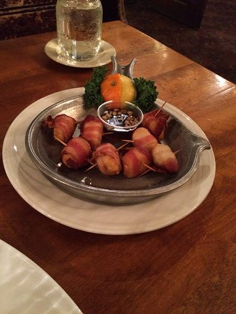 The Old Salt Restaurant: Sea scallops wrapped in bacon appetizer is awesome.