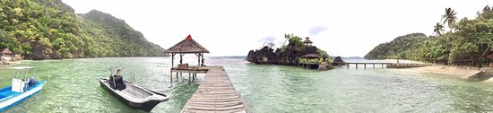 Sangat Island Dive Resort Photo