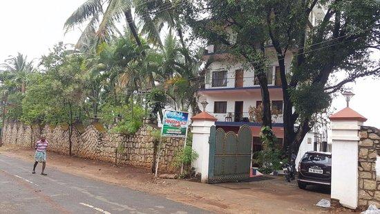 Anaimudi Hotels