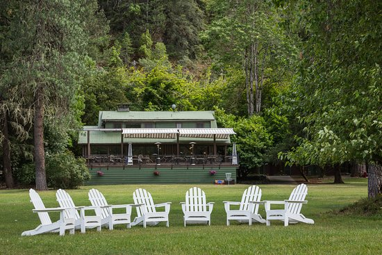Grants Pass, Oregón: Morrison's Rogue River Lodge is the perfect place to sit back and relax