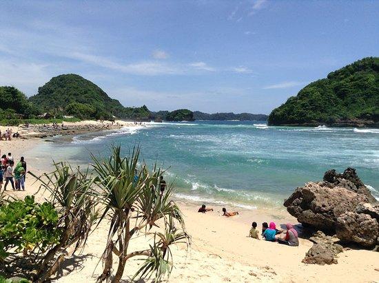Gambar Pantai Goa Cina Malang Tukangpantai