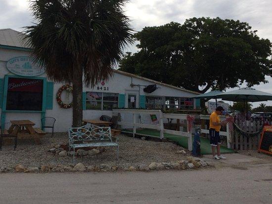 Bokeelia, FL: Capt'n Con's Fish House