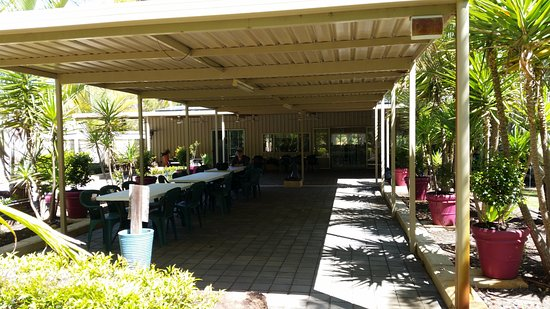 Caladenia Mini Golf: The outdoor area can accommodate large groups- there is an indoor area