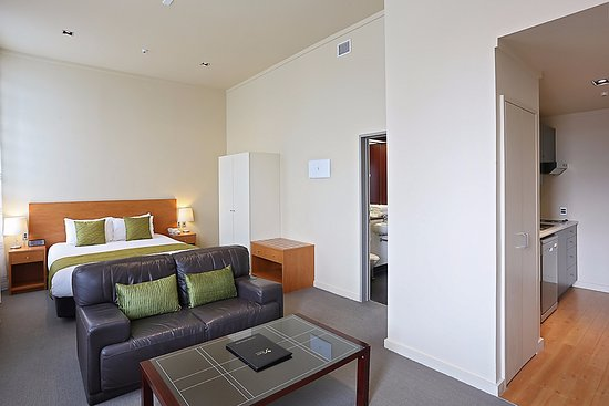 Quest Invercargill: Executive studio: