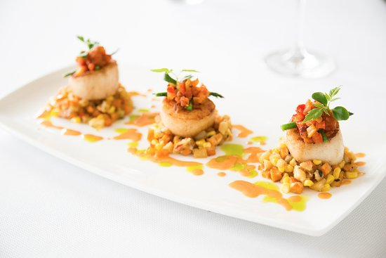 Pikesville, MD: Citron's Delicious Coriander Seared Day Boat Scallops with Sweet Corn Hash and Lobster Butter