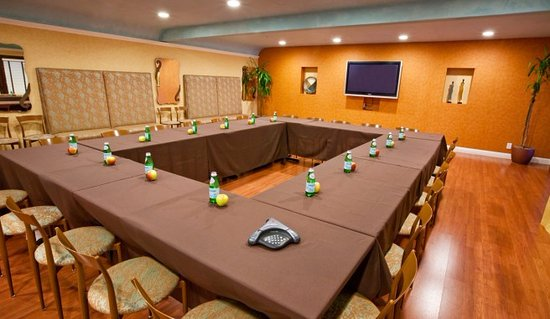 Mountain View, Kalifornien: Meeting room configured in a rectangle.