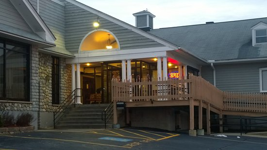 West Boylston, MA : Welcome to the Draught House Bar and Grill