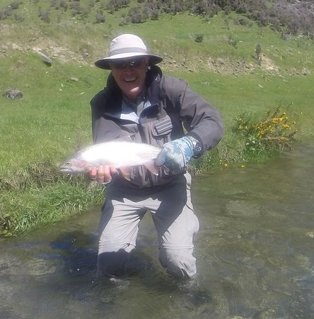 Wanaka, Nieuw-Zeeland: In one pool we caught 4 out of the 5 large trout