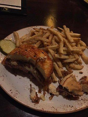 Romeoville, IL: lamb burger