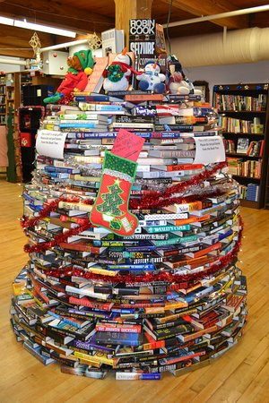 Savage, MD: Book tree at the bookstore.