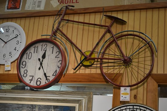 Savage, MD: The clock shop had an enormous variety of clocks!