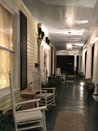ดิลลอน, เซาท์แคโรไลนา: The wrap around veranda