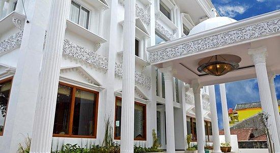 Hotel Safira Magelang Indonesia Review Hotel Perbandingan