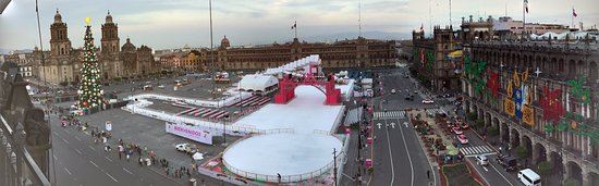 Gran Hotel Ciudad de Mexico: Panoramic view of Zocalo square from the roof top restaurant