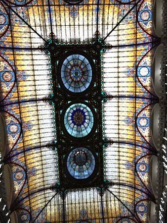 Gran Hotel Ciudad de Mexico: Glamorous stained glass roof