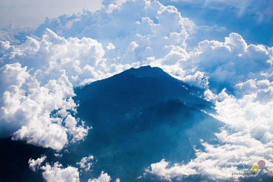 จิมบารัน, อินโดนีเซีย: Batur mountain