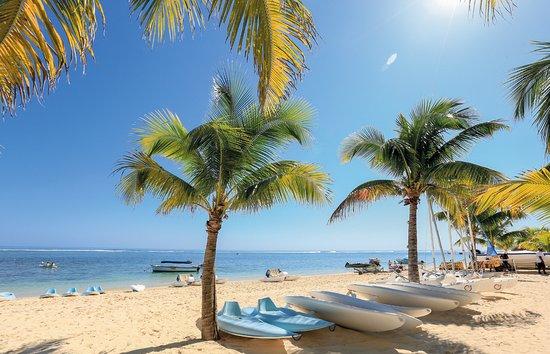 Victoria Beachcomber Resort & Spa - Water Sports