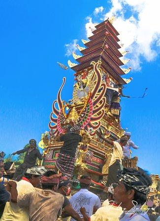 จิมบารัน, อินโดนีเซีย: Tower of Ngaben Bali