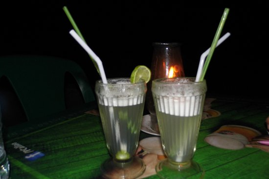 Don Giovanni / Balinese Suites y Gelateria: facilidad de cenar frente al mar