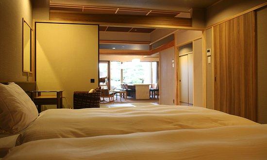 Sumoto, Japón: <ヴィラ楽園>海の庭・海楽 (ベッドルーム)