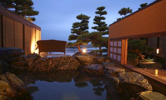 Sumoto, Japón: <ヴィラ楽園>海の庭・海楽 (露天風呂付テラス)
