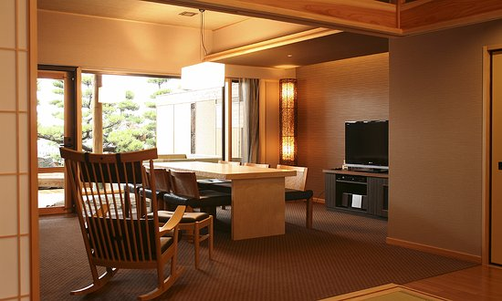 Sumoto, Japón: <ヴィラ楽園>海の庭・海楽 (リビングダイニング)