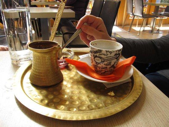 Marousi, اليونان: Ελληνικός καφές