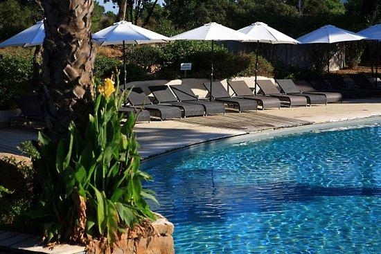 Kilina Hotel : Espace piscine