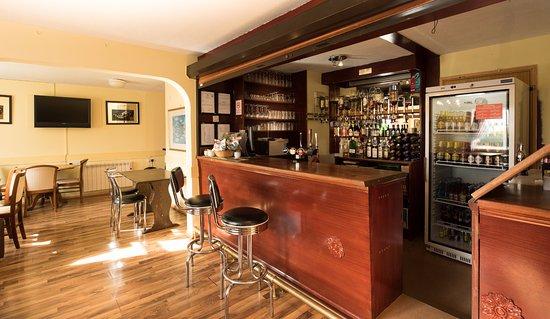 Milton Keynes Hotel: hotel bar
