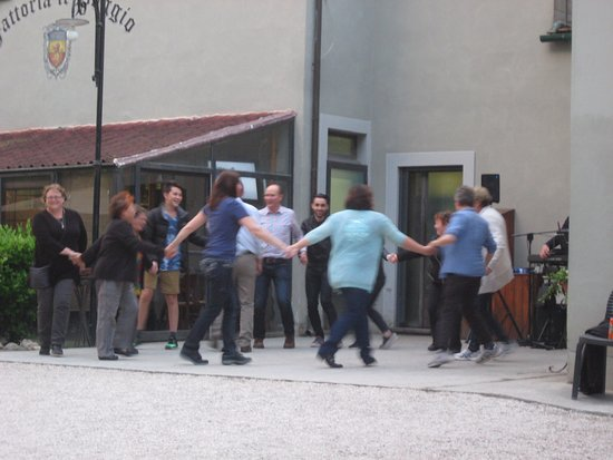 Montecarlo, Italie : dancing along