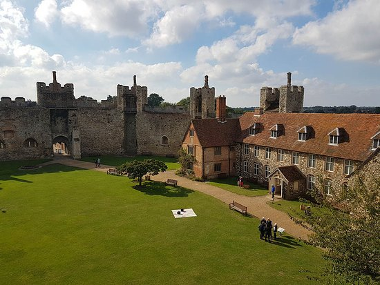 Framlingham, UK: Inside the walls of the castle