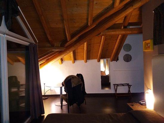 Hotel Corte Santa Libera: Bellissima camera e vista mozzafiato