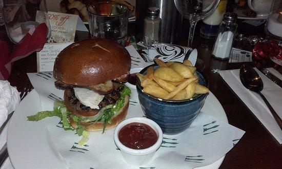 Crowborough, UK: Festive burger