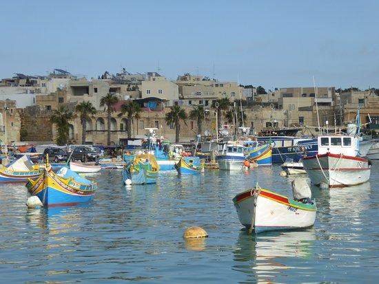 Marsaxlokk, Malta: 船が多々