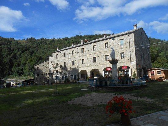 Valmala, Olaszország: Esterno chiesa