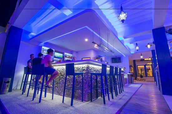 Lights bar picture of gt hotel boracay boracay tripadvisor gt hotel boracay lights bar aloadofball Choice Image