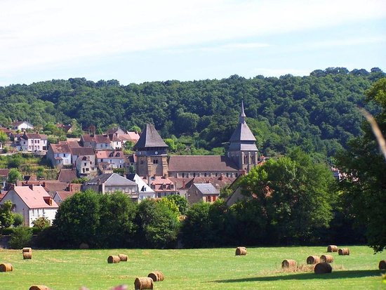 Chambon-sur-Voueize, France: getlstd_property_photo