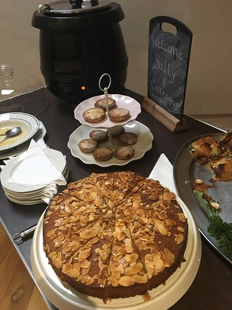 Appleby-in-Westmorland, UK: Gorgeous butternut squash soup and salad follows by while meal honey cake & mince pies! Just the