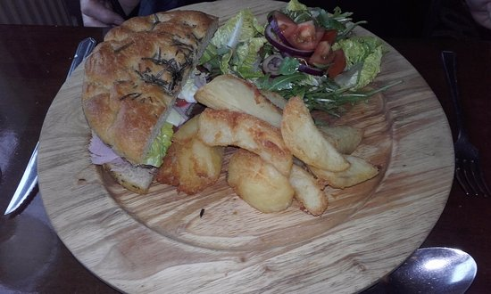 The Fox: Ham baguette and chips - not a light bite !!