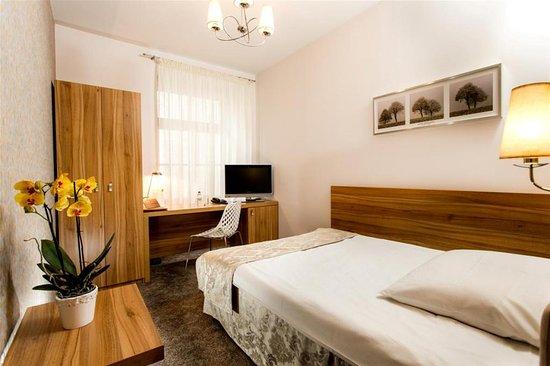 Patio Hotel: Pokój typu standard / Standard room