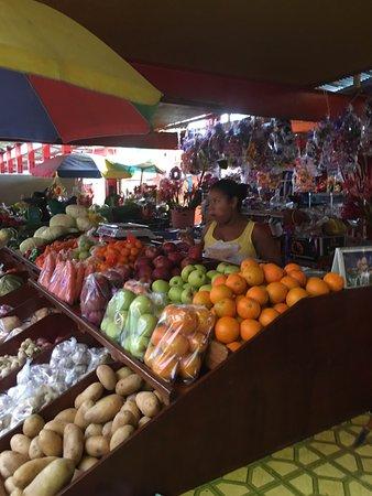 Victoria, Seychellerne: A typical island fresh market